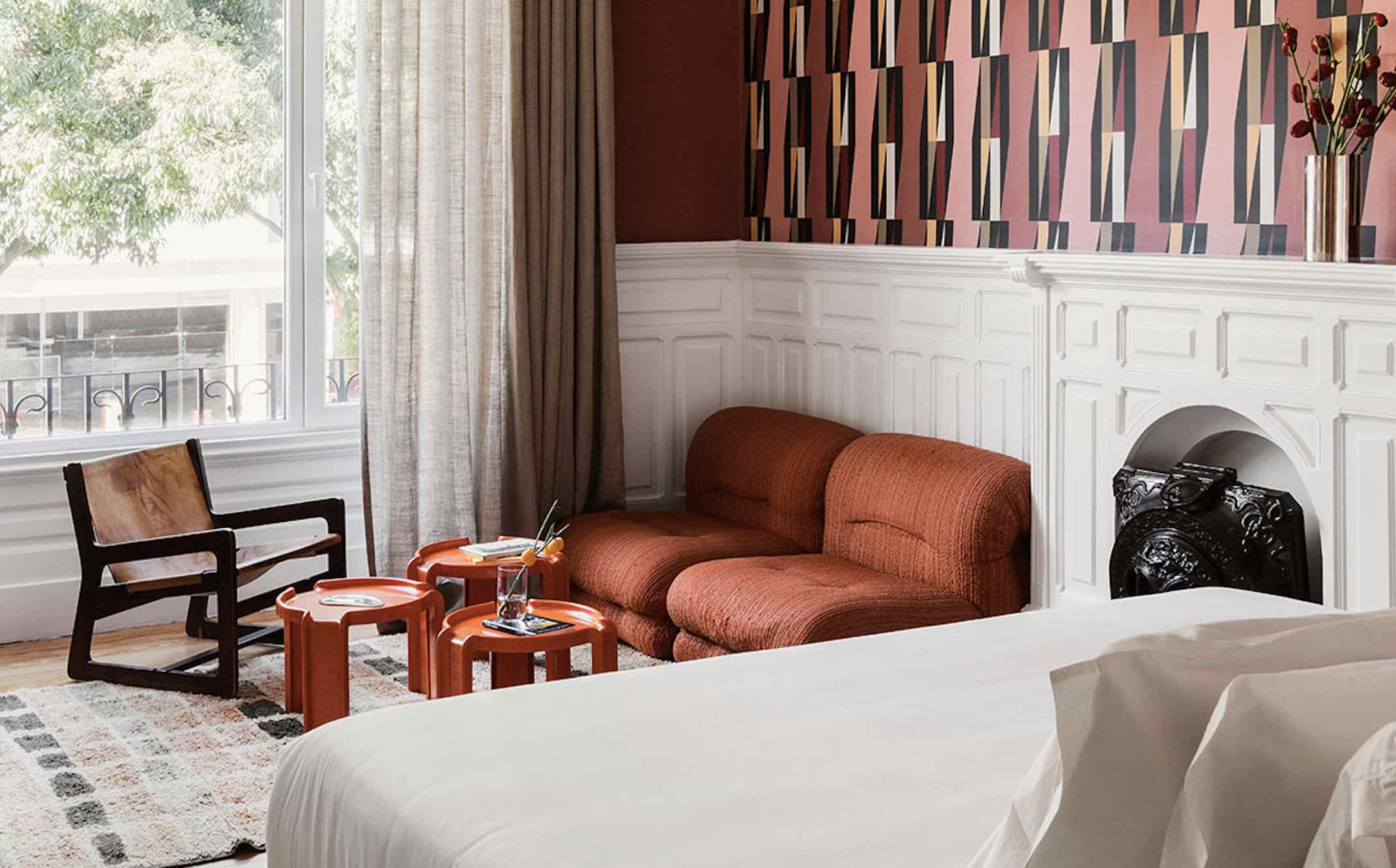 Boutique hotels in Lisbon's Casa Fortunato showing lounge area